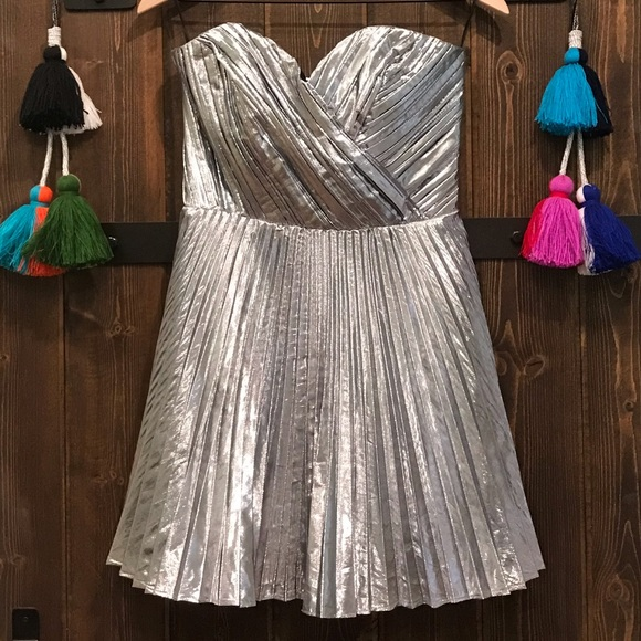 ASOS Dresses & Skirts - Strapless silver sweetheart dress